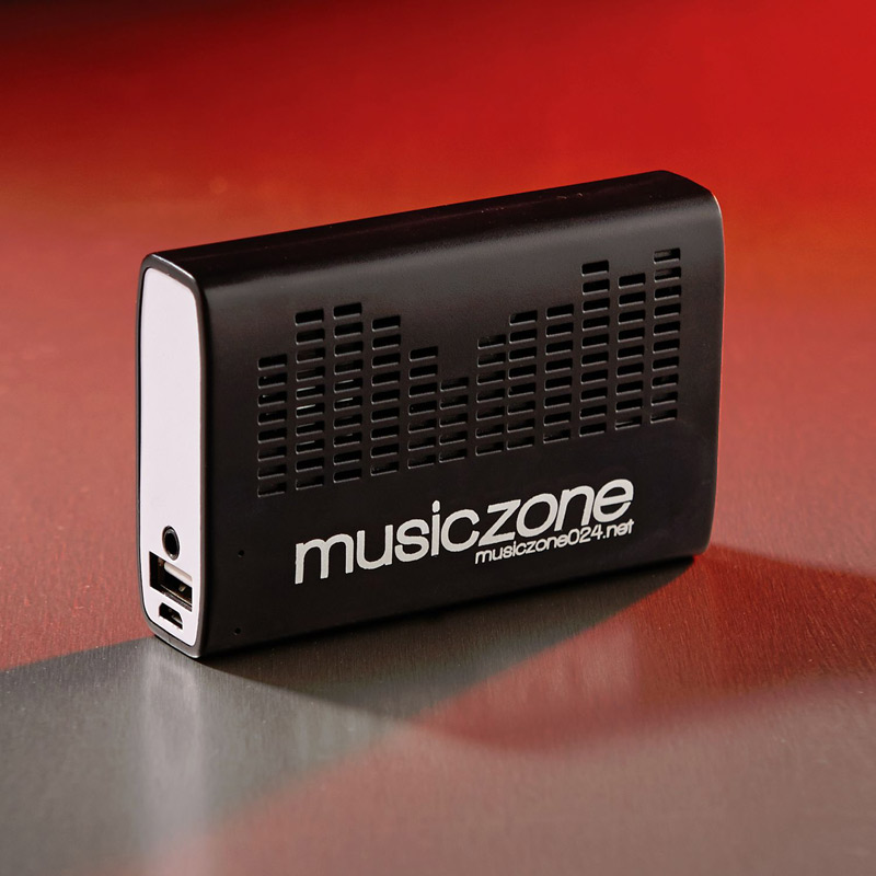 Power Bank 2600 and Speaker
